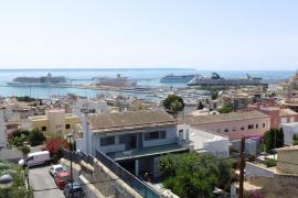 'Lleno' de cinco cruceros en Palma