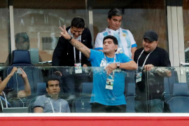 La FIFA le pide a Maradona que se modere