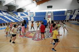 FAPA critica la escasa oferta municipal de actividades infantiles en verano