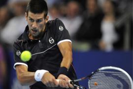Djokovic sufre para ganar  a Malisse en su debut en Basilea