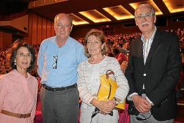 Carmen Planas, Pedro Vizcaño, Lourdes Picó y Pedro Comas.