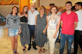 Ariadna Martín, Lluc y Eladio Planas, Maria Llompart, Antònia Fullana y Colau Roca.