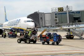Preocupación en el sector turístico balear por las posibles huelgas en Vueling y Ryanair