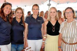 Victoria Voto, Ana Navarro, Isabel Albiach, Belinda Martínez y Alicia Alonso-Allende