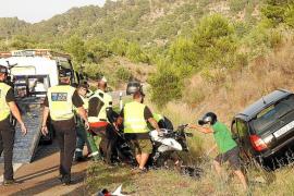 En estado crítico uno de los motoristas arrollados en la carretera de Andratx