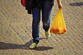 Los comercios de Palma podrán cobrar hasta 15 céntimos por cada bolsa de plástico
