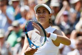 Muguruza comienza la defensa de Wimbledon con victoria ante la británica Broady