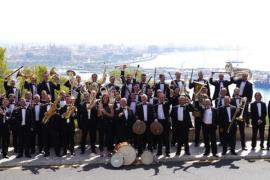 Margarita Guerra y la Banda Municipal de Música de Palma, en el Castell de Bellver