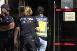 La Policía Nacional registra varios ayuntamientos en la operación 'Enredadera' y detiene a dos cargos públicos