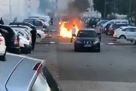 La noche de Nantes se incendia por la muerte de un joven en un control de la policía