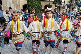El Consell de Mallorca apoya la reivindicación de las mujeres de Manacor de participar en los bailes de 'Indis' y 'Moretons'