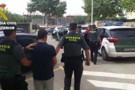 La Guardia Civil caza a dos jóvenes que pretendían introducir 15 kilos de cristal en Ibiza