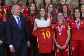 Cata Coll: «Tenemos que luchar por conseguir una medalla en el Mundial»