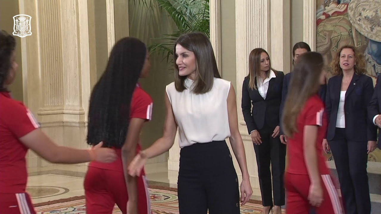 Cata Coll, protagonista en la recepción de la reina Letizia a la selección sub-17 campeona de Europa