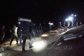 Muere un buzo en las tareas de rescate de los niños en la cueva de Tailandia