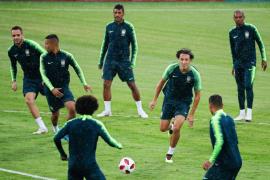 Una lesión de tobillo saca al brasileño Danilo del Mundial