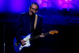 Un 'cáncer agresivo' obliga a Elvis Costello a cancelar su gira