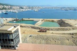 Las obras portuarias frente al muelle de Peraires avanzan a buen ritmo