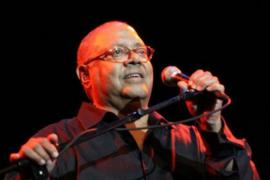 El mítico cantautor Pablo Milanés, en concierto en Porreres
