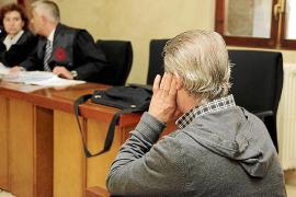 El acusado de violar a sus dos hijos en Can Pastilla culpa a otras personas