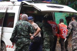 Liberados los 12 niños y el monitor atrapados en una cueva de Tailandia