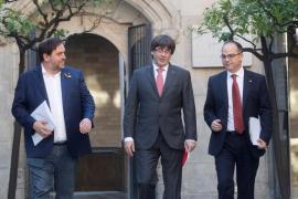Llarena suspende de cargo público a los diputados catalanes presos y a Puigdemont