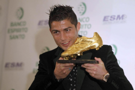 Cristiano recoge su segunda Bota de Oro: «Comparto mi alegría con todos»