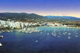 En estado grave una turista al caer desde un balcón en Ibiza