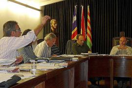 La crispación llega a los plenos después de cuatro meses de gobierno del PP