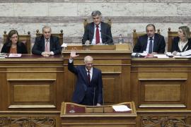 Papandreu gana la moción de confianza y pedirá hoy formar un nuevo gobierno