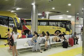 Los alumnos de Baleares podrán aprovechar plazas de líneas regulares de bus