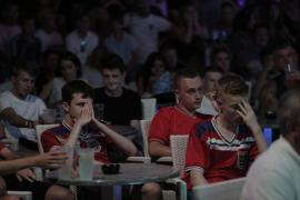 Tristeza y decepción entre los aficionados ingleses en Magaluf