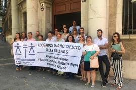 Los abogados de oficio reivindican un turno digno con más «palmaditas en la espalda y menos collejas»