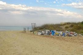 El Govern contrata a cinco personas para velar por la limpieza de es Trenc