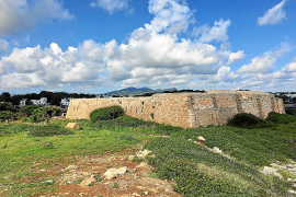 El Grup d'Estudi de Fortificacions denuncia actos vandálicos en el Fortí de Cala Egos