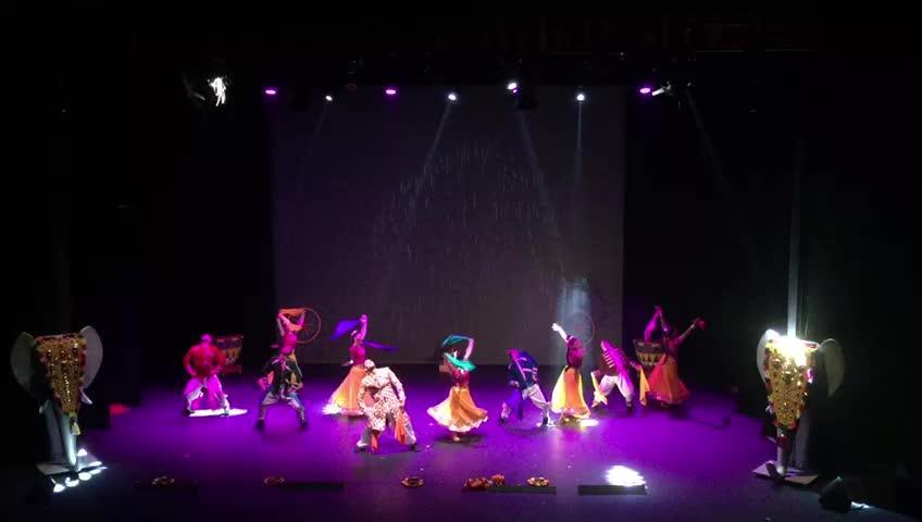 Bollywood llega al Trui Teatre con 'Colours of India'