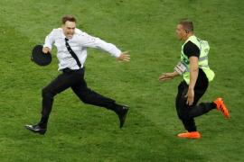 Cuatro espontáneos interrumpen la final del Mundial de Rusia