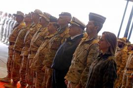 Los restos mortales del sargento Moya regresan a España tras la despedida en Herat