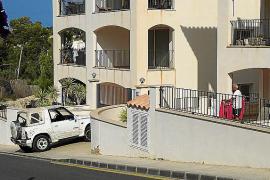 Los apartamentos ilegales de Cala Llamp vuelven a alquilarse a turistas un verano más