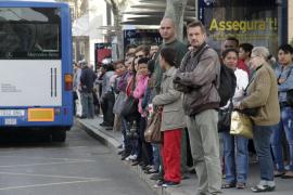 La EMT alerta de que recibe más quejas de los usuarios tras la reducción de las líneas