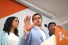 Rivera ataca la «indecente» equidistancia de Sánchez entre golpistas y demócratas