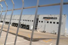 La huelga de Amazon acaba con 2 detenidos y los sindicatos condenan la carga policial