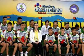 Los chicos tailandeses atrapados en una cueva dicen que su rescate fue un milagro