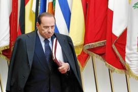 Berlusconi, contra las cuerdas