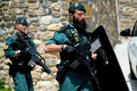 Detenido el hombre que se atrincheró en Turieno y huyó al monte