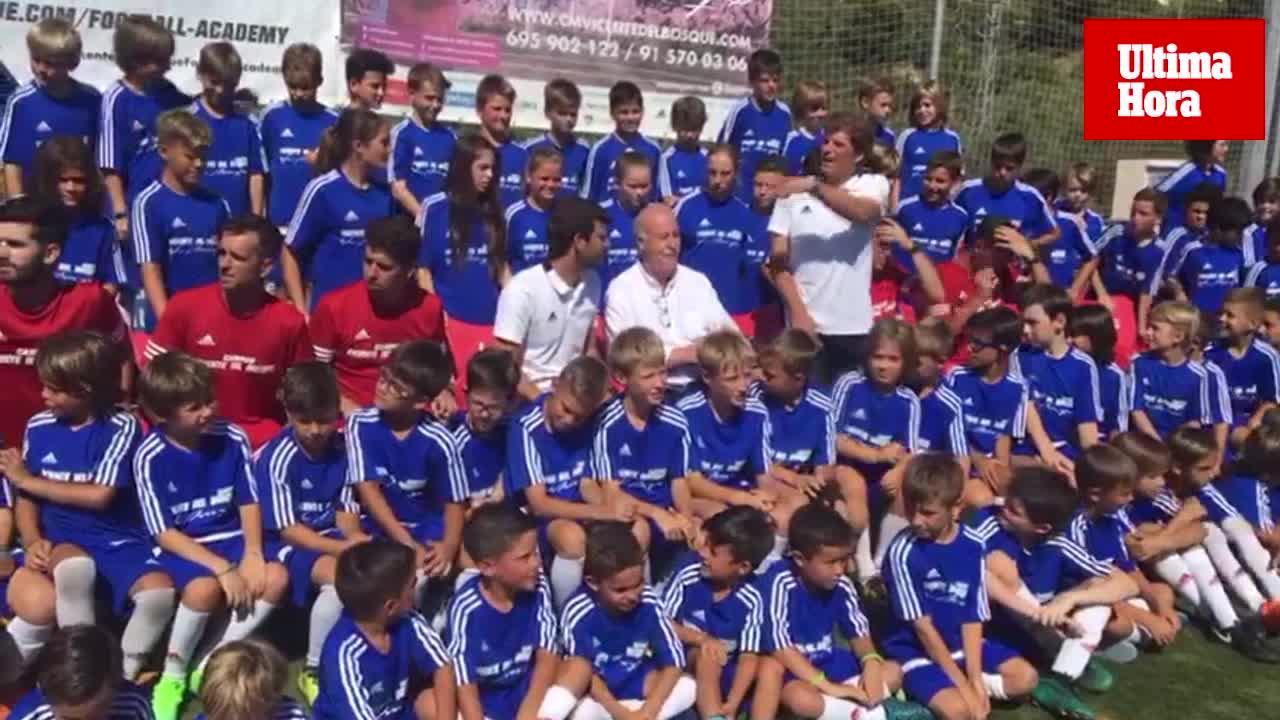 Del Bosque, en Mallorca: «Luis Enrique está a la altura de los mejores»