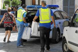 La Guardia Civil imputa a un cartero por esconder en Selva más de 20.000 cartas