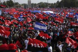 Ortega se da un baño de masas y señala a los obispos de Nicaragua como golpistas