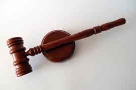 España indemnizará con 600.000 euros a una madre cuya hija fue asesinada por su padre maltratador