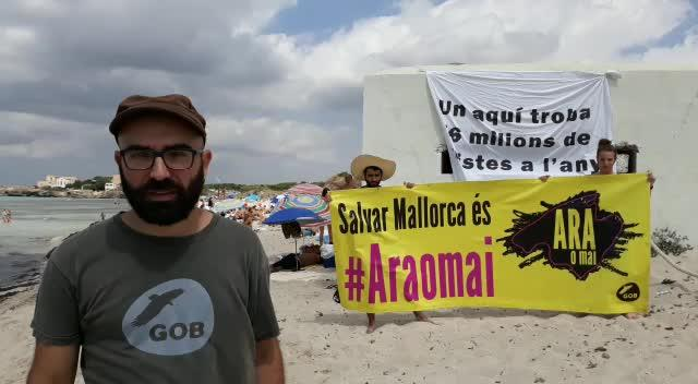 El GOB presenta en es Trenc la campaña 'Salvar Mallorca és #ARAOMAI'